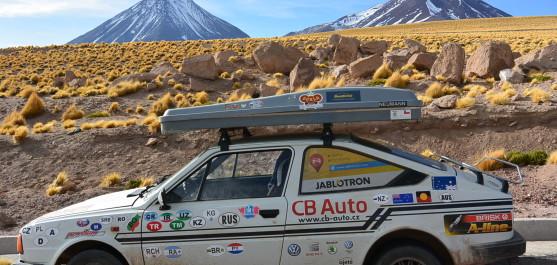 6000tisícové sopky v Bolívii, foceno z Chile
