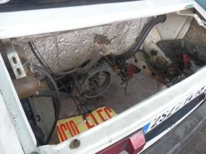 Motor jsem opět vyndal, ano, už potřetí v Peru! Tentokrát ale bude sestaven s novými díly