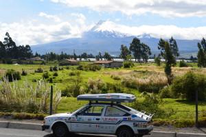 Cotopaxi, nejvyšší činná ekvádorská sopka a jedna z nejvyšších na světě, měří 5987m
