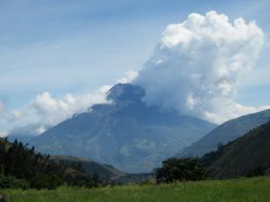 Majestátná Tungurawa o sobě jednou za pár let dá méně či více znát. Naposledy ve 20.století poničila město Ambato