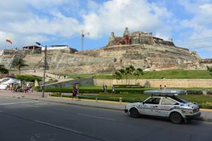Cartagena, bývalá největší španělská pevnost v Americe. Prý stála tolik, že když se to král ve Španělsku dozvěděl, pohleděl prý z okna směrem k moři a řekl, že za ty peníze by jí měl vidět i odsud...